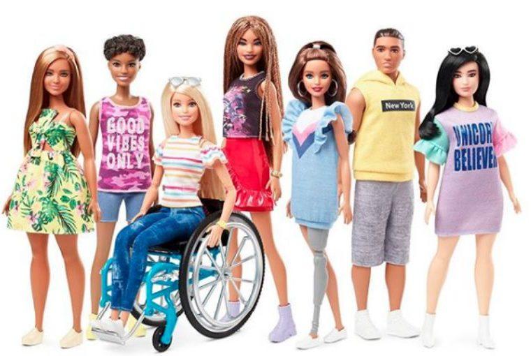 Barbie sigue rompiendo estereotipos: presentan muñeca en silla de ruedas