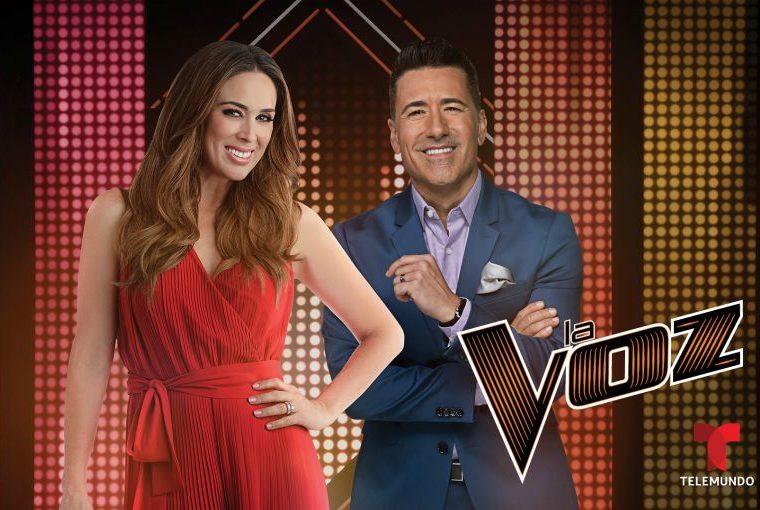 Jacqueline Bracamontes se estrena como presentadora de 'La Voz'