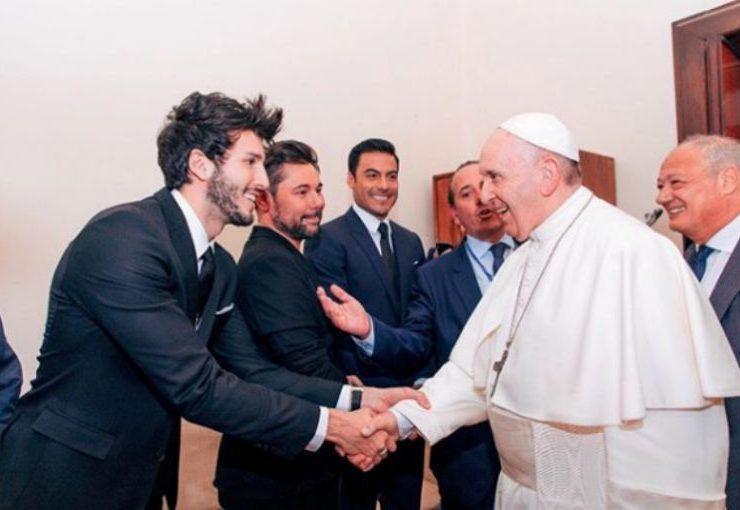 Así fue el encuentro entre Sebastián Yatra y el papa Francisco