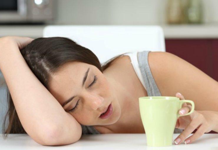 Tener siempre sueño podría ser síntoma de Alzheimer