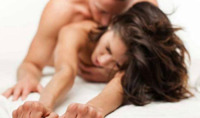 Trucos para tener una tener una divertida sesión de sexo sensorial