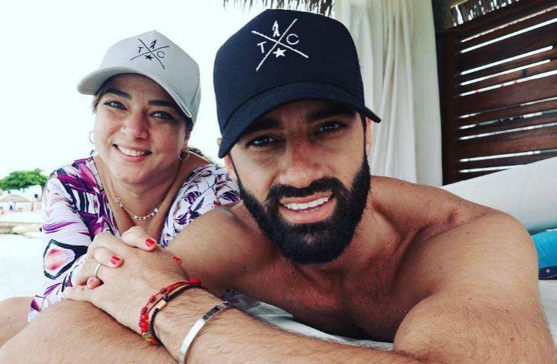Adamari López y Toni Costa celebran su aniversario más enamorados que nunca
