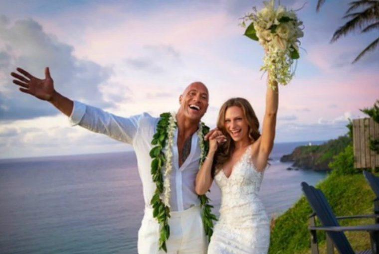 ¡Sorpresa! Dwayne 'The Rock' Johnson se casa en Hawaii