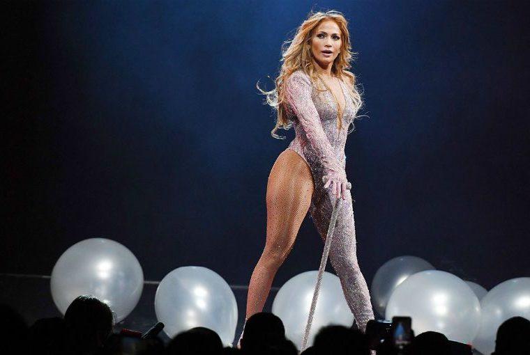 Jennifer Lopez luce ultra 'hot' en su nueva película 'Hustlers'