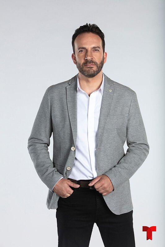 Antonio de la Vega es Raúl Aparicio