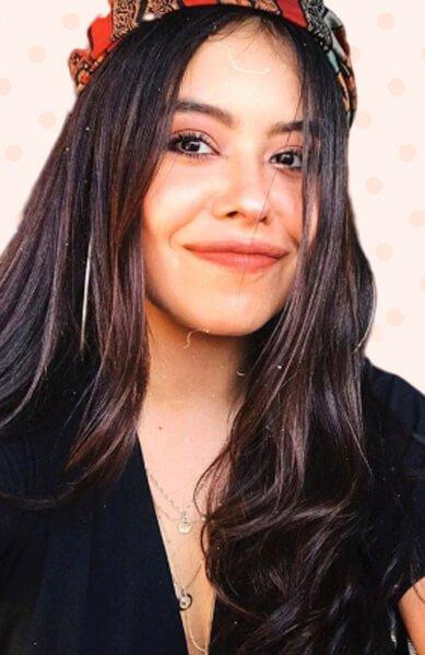 Juliana Velásquez es TATIANA PERDOMO