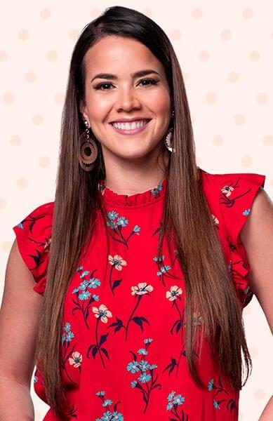 Laura de León es AZUCENA TINOCCO