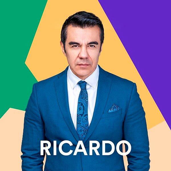 Adrián Uribe es Ricardo Reyes Alonso en Como tu no hay 2