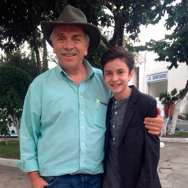 José Elías Moreno es Lamberto Garza en la serie El Dragón Netflix reparto elenco y personajes