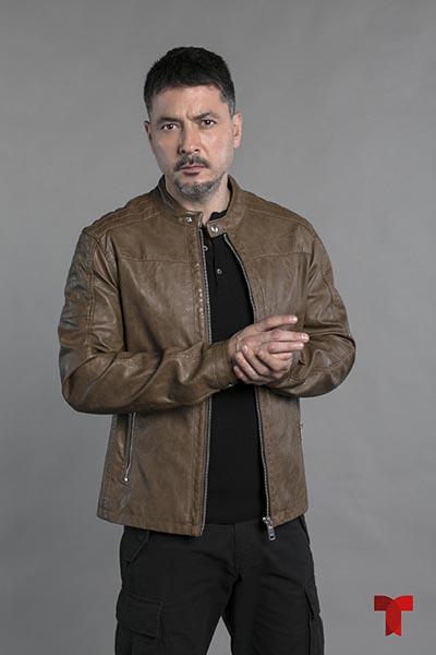 Raúl Méndez es Alejandro Ferrer en Enemigo Intimo segunda temporada