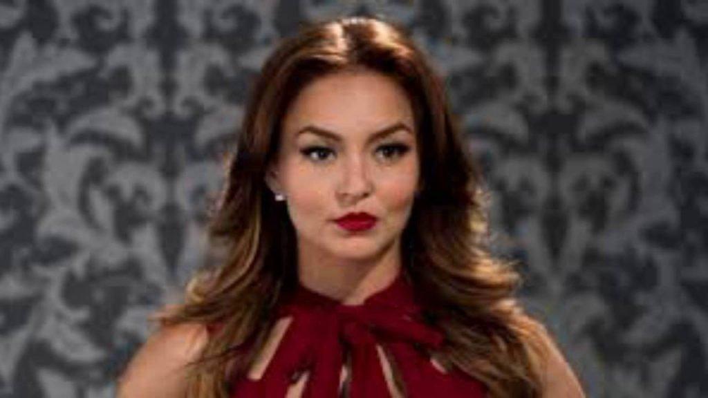 Angelique Boyer como Ana Leticia en Tres Veces Ana