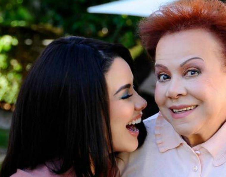 Carolina Sandoval y su mama