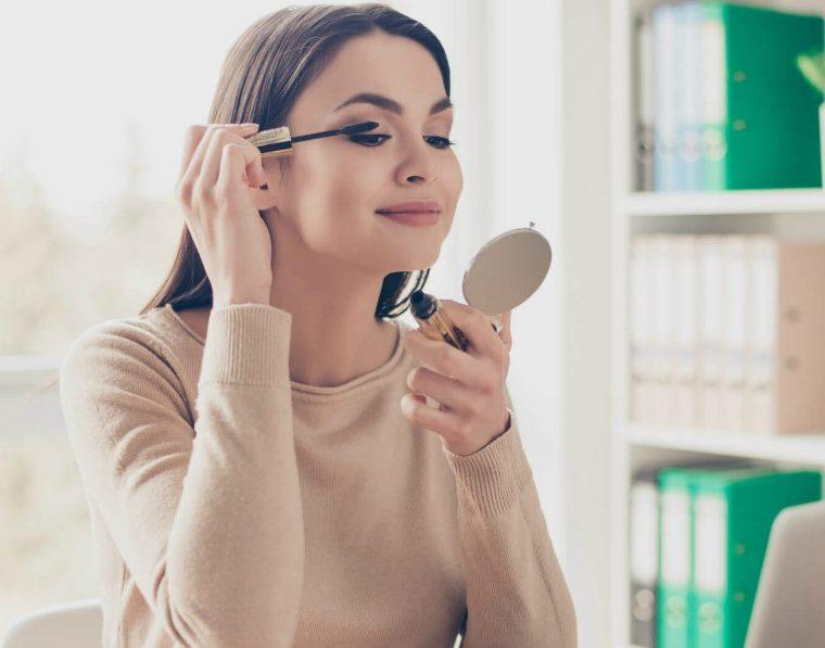 Seis tips para lucir un maquillaje perfecto sin ser una experta