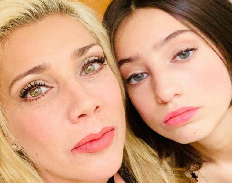 Cynthia Klitbo y su hija