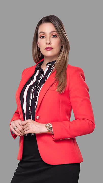 Michelle Roullard es Carla Mendoza en Lala's Spa