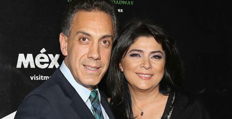 Victoria Ruffo y su esposo